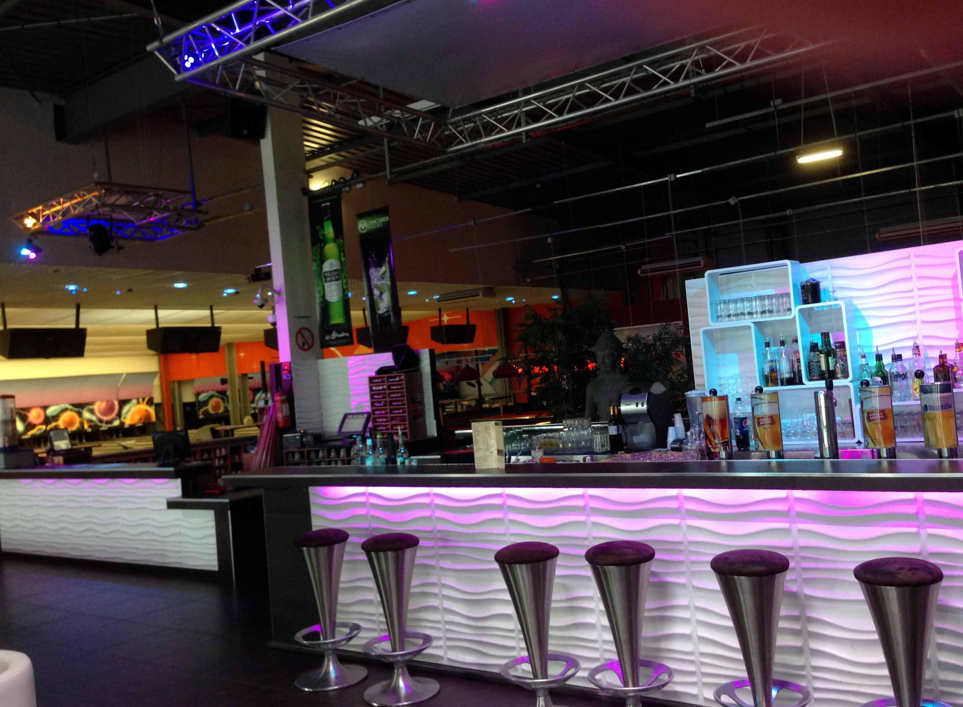 Nouveau_bar_1